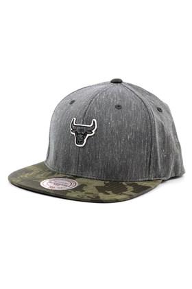 Bone MITCHELL AND NESS Chicaco Bulls Flexfit 110 Snapback Cinza/Camo
