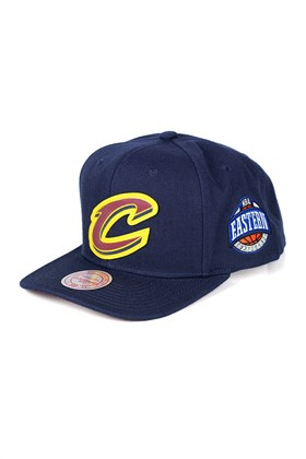 BONE MITCHELL AND NESS CLEVELAND CAVALIERS NBA SNAPBACK AZUL