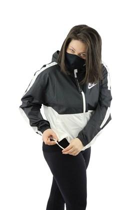 Jaqueta NIKE Corta Vento Capuz Sportswear Feminina Preta/Branco