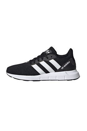 Tênis Adidas Swift Run RF  Feminino Preto/Branco
